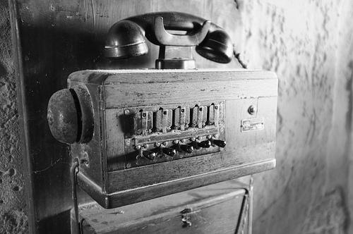 Gammal telefo